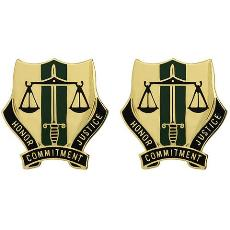 724th Military Police Battalion Unit Crest (Honor Commitment Justice)
